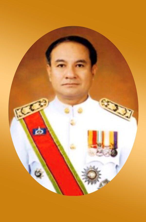 นายณรงค์ วุ่นชิ้ว ศิษย์เก่ารัฐศาสตร์มหาบัณทิต 2540 ผู้ว่าราชการจังหวัดภูเก็ต กระทรวงมหาดไทย