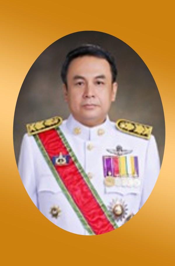 นายวิชวุทย์ จินโต ศิษย์เก่ารัฐศาสตร์มหาบัณทิต 2538 ผู้ว่าราชการจังหวัดสุราษฏร์ธานี กระทรวงมหาดไทย